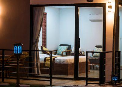 sandyclay-bedroom-swimming-pool-night