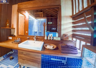 bathroom-light-veranda-kep