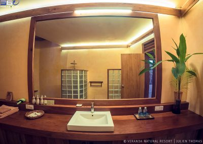 bathroom-mirror-shower-veranda-kep