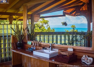 bathroom-outside-ocean-veranda-kep