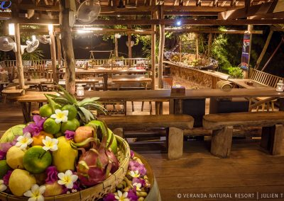 restaurant-wood-fruits-veranda-kep