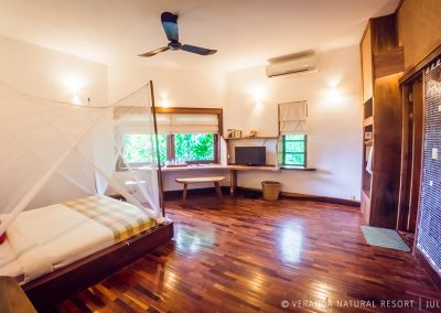 room-bed-lights-fan-veranda-kep