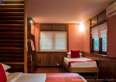 room-beds-quiet-veranda-kep
