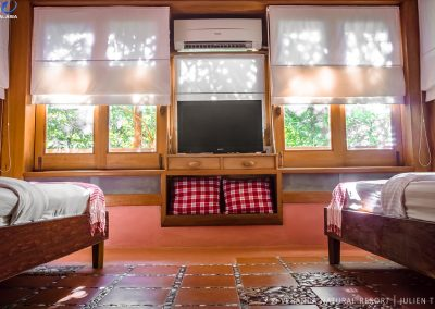 room-window-television-veranda-kep