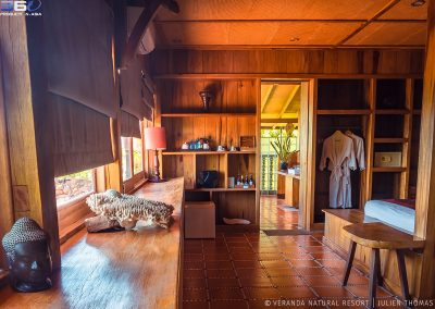 room-wood-bathroom-veranda-kep