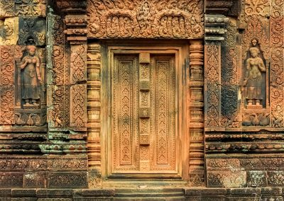 carving-temple-stone-aspara-door