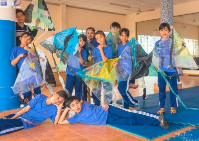 children-workshop-kite-plastic-waste