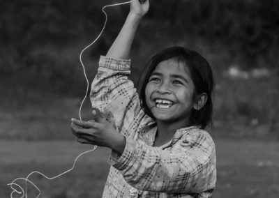 joyfulness-child-play-kite-recycling