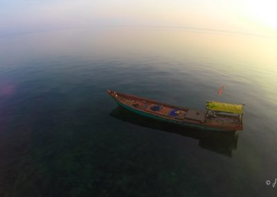 ocean-boat-sunrise-fishing-aerial