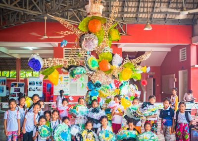 tree-flower-craft-recycle-schoolchildren