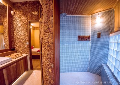 bathroom-stones-tiles-veranda-kep