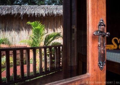 sokbabay-resort-entrance-room