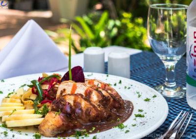 restaurant-hotel-siem-reap-meal