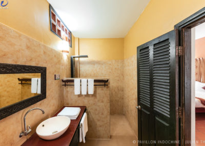 bathroom-hotel-siem-reap