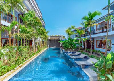 residence-hotel-cheata-swimming-pool