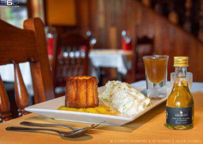 cannele-pineapple-flambee-cream-rum